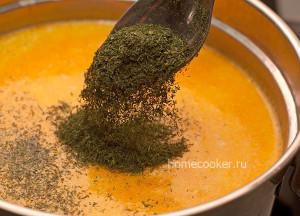 Добавление зелени в суп