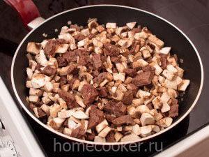 Dobavlyaem griby 2 300x225 Мясо в горшочках