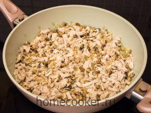 Dobavlyaem kuritsu 1 300x225 Жюльен с курицей и грибами