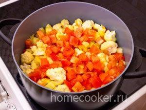 Dobavlyaem pomidory 2 300x225 Овощное рагу