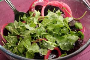 Gotovyj salat iz svekly 300x200 Салат из свеклы