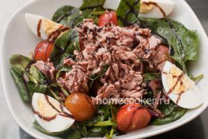 Gotovyj salat s tuntsom 300x200 Салат с тунцом