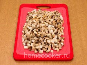Narezannye griby 7 300x225 Жюльен с курицей и грибами