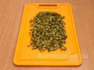 Narezannye ogurtsy1 300x225 Салат оливье