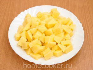Narezannyj kartofel 7 300x225 Щи из квашеной капусты