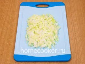 Narezannyj luk 12 300x225 Овощное рагу