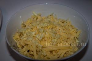 Натертые сыр и чеснок