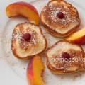Оладьи с персиками