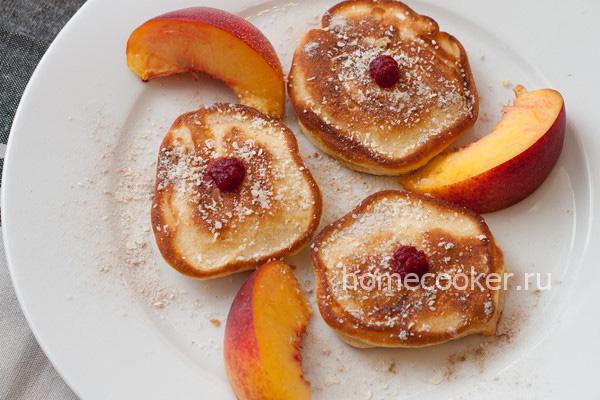 Оладушки с персиками