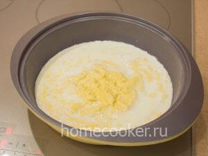 Смешиваем ингредиенты для крема