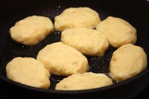 Сырые картофельные котлеты