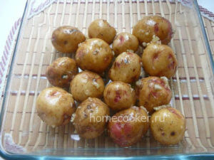 Запекаем картофель в мундире