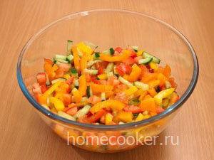 Zapravlyaem salat 300x225 Овощной салат