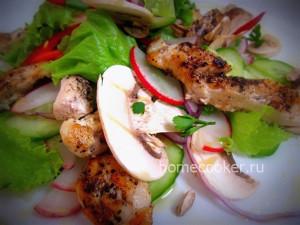 готовый овощной салат с куриным филе